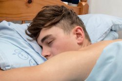 One Hour of Sleep is Stealing Your Teen's A-grade